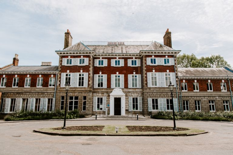 Wide shot of ork House in Richmond