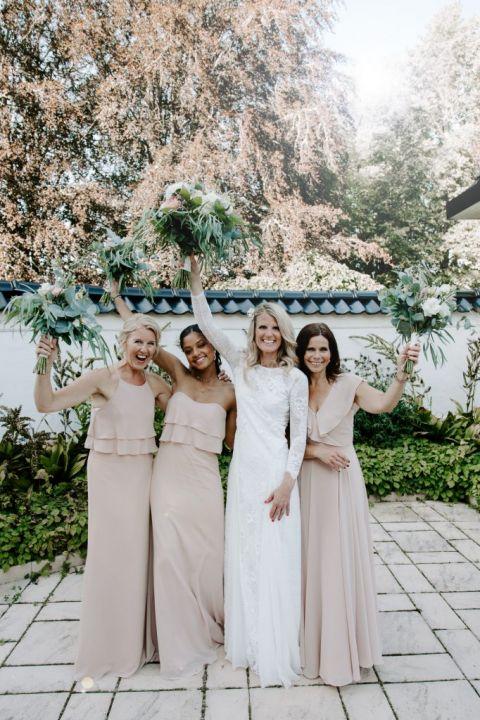 Bride with bridesmaids at Baldersnas Herrgard